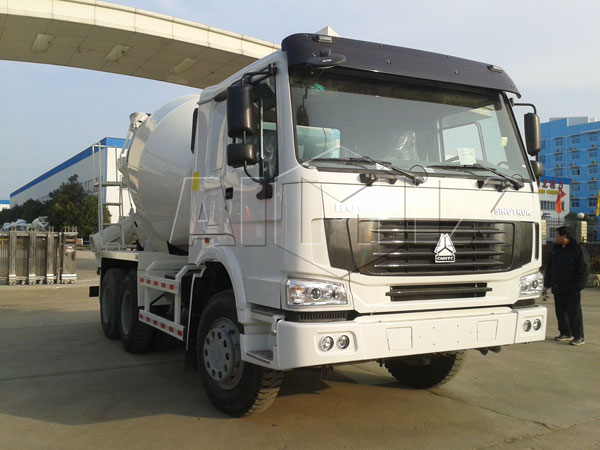 ready mix concrete truck