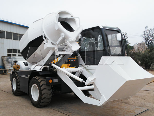 3.5m³ Self Loading Concrete Mixer Truck