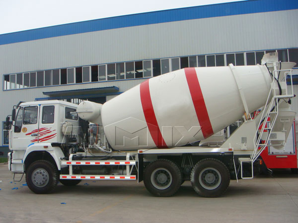 12m³ cement mixer trailer