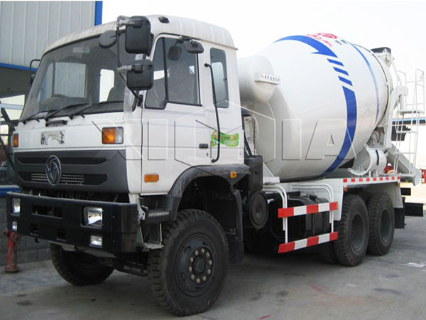 <strong>3m³ concrete mixer trailer</strong>
