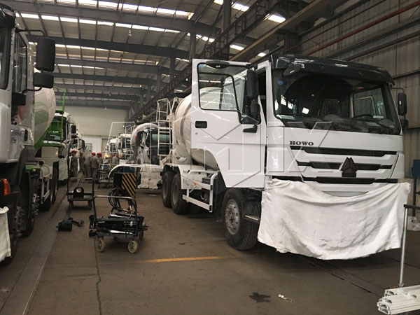 Our concrete mixer truck workshop