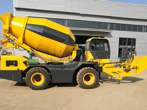 3.5 m³ self loading concrete mixer