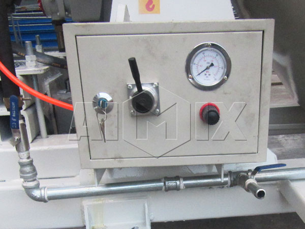 gas-pressure meter of cement drum