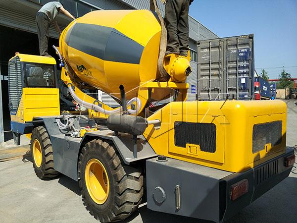 3.5 m³ self loading concrete mixer truck