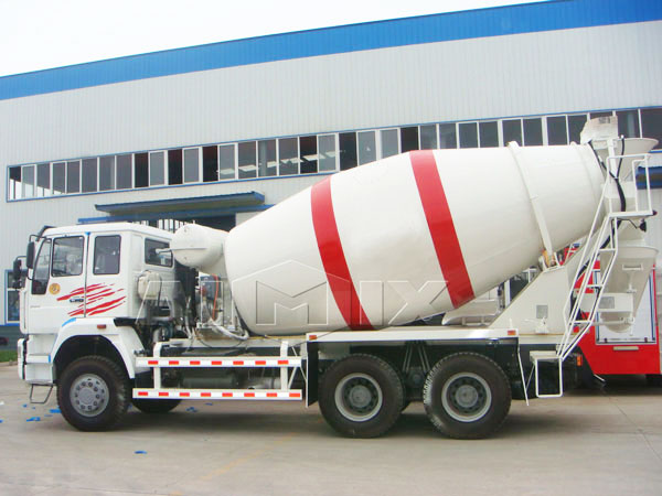 12m³ concrete mixer trailer