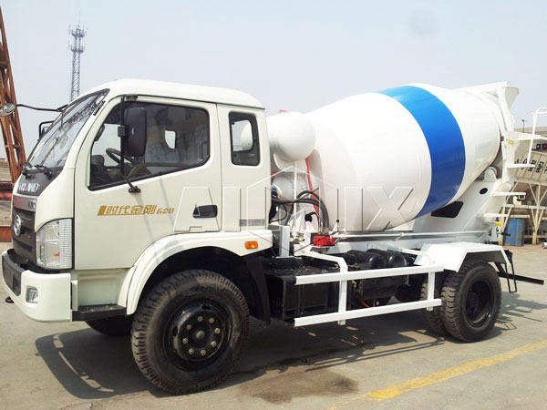 3m³ concrete agitator truck