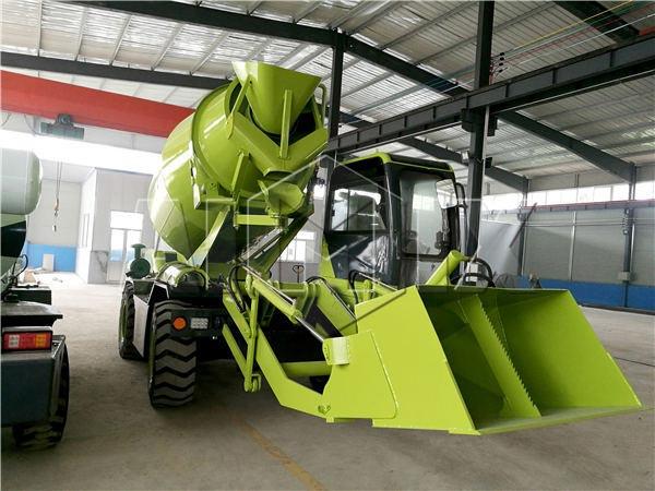 4cub self loading concrete truck mixer